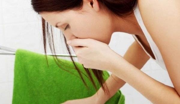 Почему тошнит и рвет желчью и как это вылечить