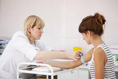 Что делать, если анализ показал положительный результат на антитела к вирусу гепатита С