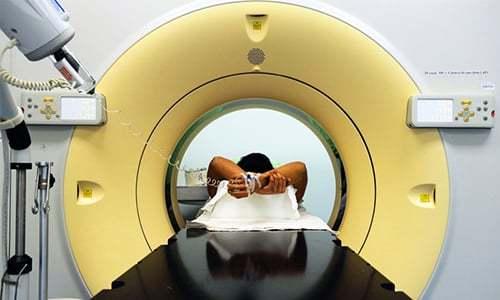 Грыжи шморля в поясничном отделе позвоночника: причины, симптомы, диагностика, классификация, осложнения, лечение, операция, профилактика