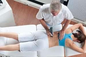 Ударно волновая терапия грыжи позвоночника: суть метода, преимущества, показания, виды терапии, техника лечения, противопоказания, отзывы