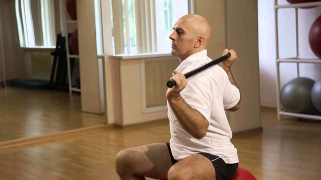 Упражнения Дикуля для спины при грыже: эффективность, особенности тренировок, правила выполнения, зарядка для шейного, грудного и поясничного отделов