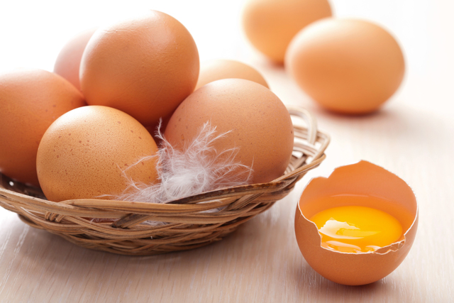 Мужчинам полезны куриные яйца