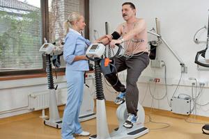 Первая в мировой практике операция по замене клапана сердца проведена в России