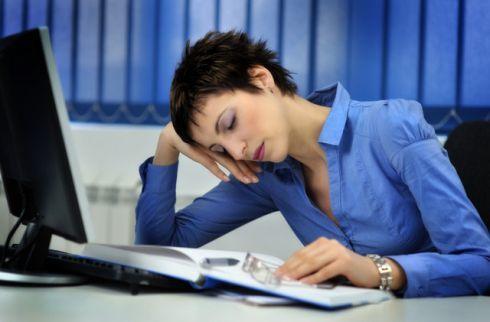 Почему постоянно хочется спать ребенку или взрослому. Причины слабости, сонливости, усталости, апатии
