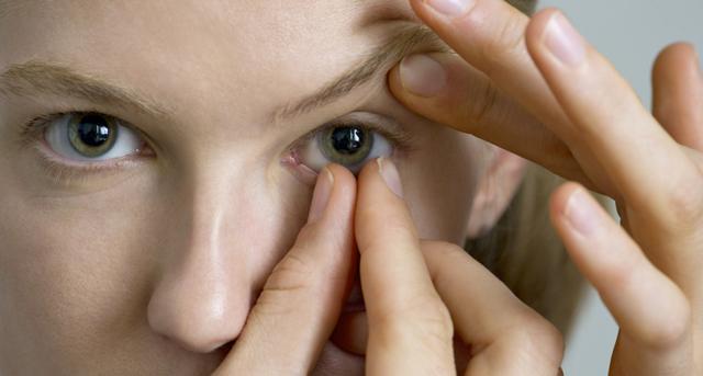 Линзы могут спровоцировать слепоту