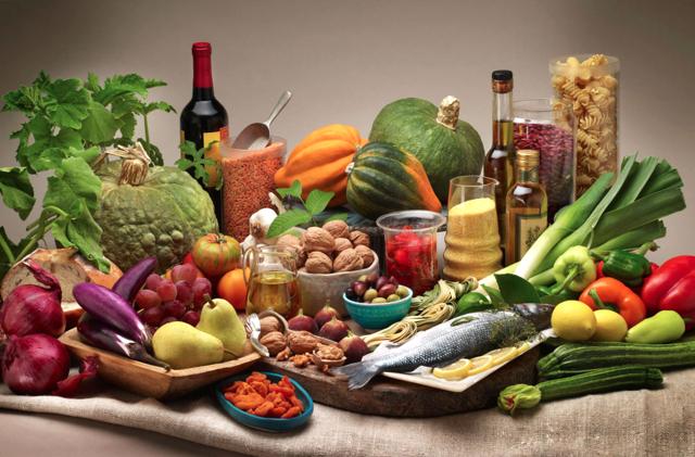 Кушая вечером, человек получает от еды меньше удовольствия