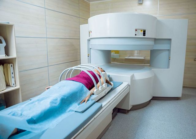 Магнитно-резонансная томография почек: показания и противопоказания