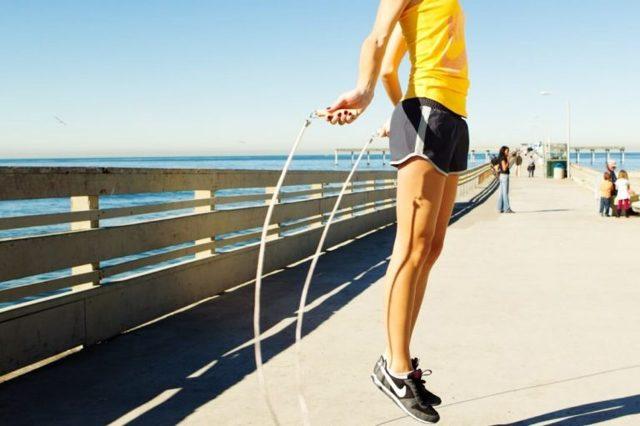 Недержание мочи при прыжках: почему возникает, методы лечения и профилактики