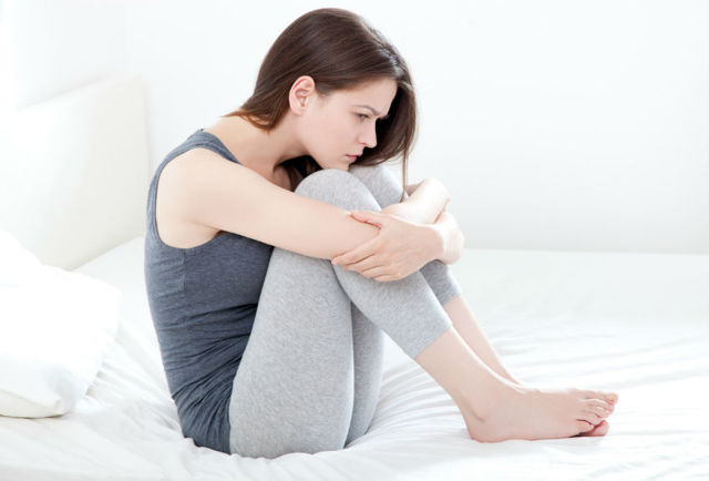 Частые позывы к мочеиспусканию у женщин: причины и лечение
