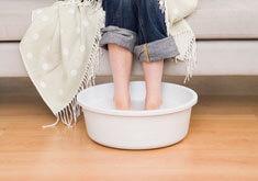 Можно ли парить ноги с горчицей при кашле ребенку