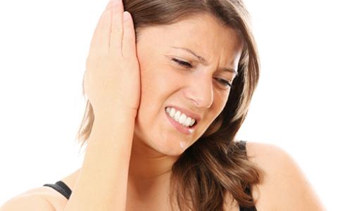 Как правильно положить компресс из водки на ухо