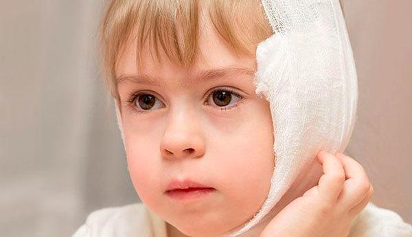 Преимущества спиртового компресса на ухо