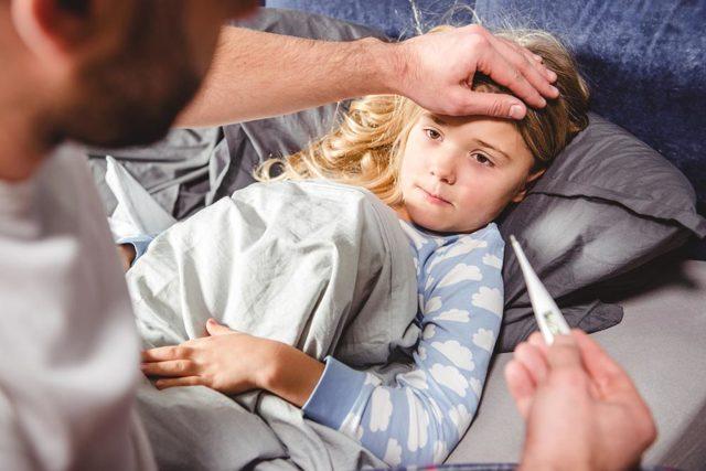 Хрипы в легких при бронхите: причины, виды и методы лечения