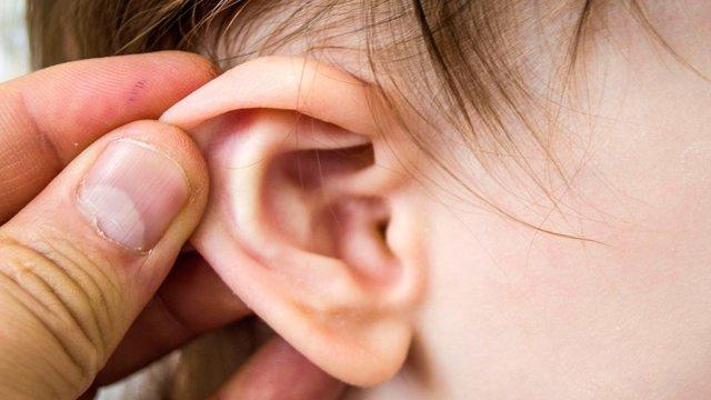 Симптомы и способы лечения отита у ребенка