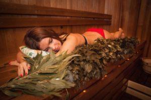 Можно ли париться в бане при бронхите: польза и противопоказания