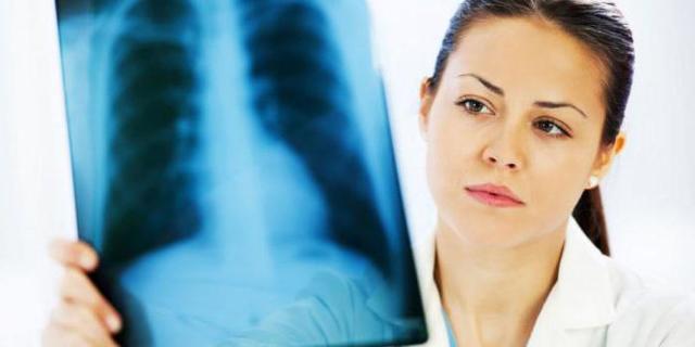 Кровь в слюне без кашля - причины и лечение заболевания