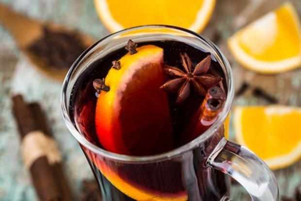 Горячее вино от кашля: целебные свойства и рецепт