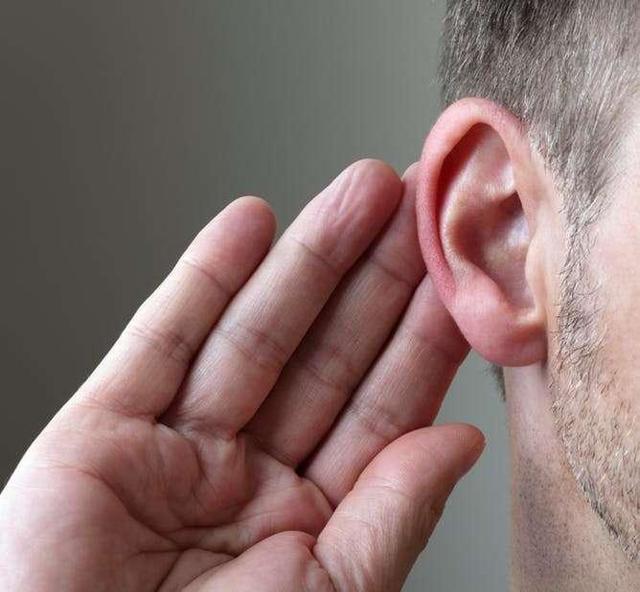 Почему возникает заложенность уха после отита и как ее убрать?