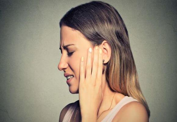 Причины возникновения острого катарального среднего отита и его лечение