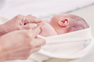 Когда можно делать прививку БЦЖ недоношенным детям