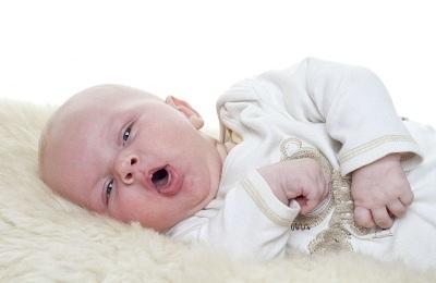 Внутриутробная пневмония у новорожденных: причины и последствия