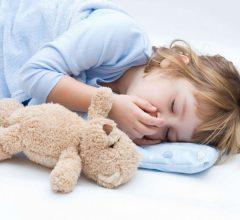 У ребенка не проходит кашель: виды и лечебные мероприятия