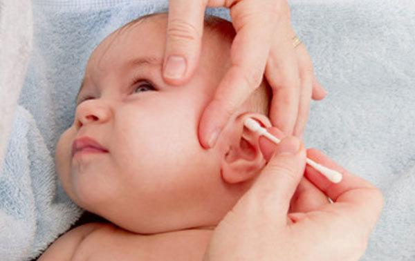 Как убрать серные пробки в ушах у детей?