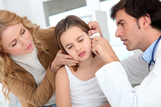Симптомы и лечение гнойного отита у ребенка